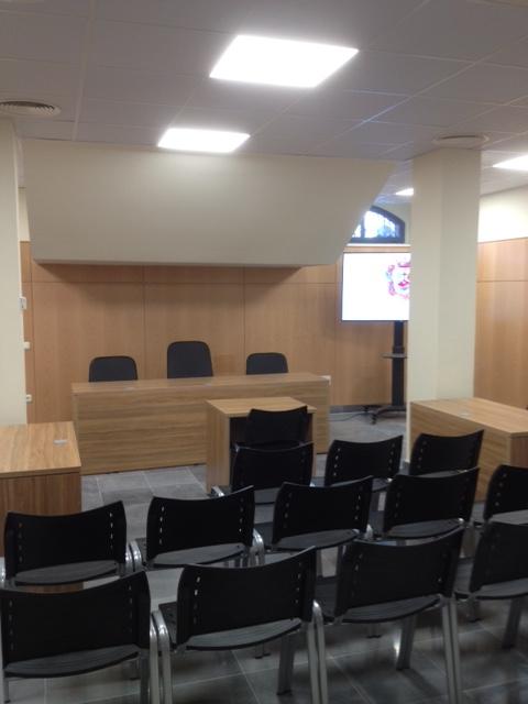 sala-de-juicios-en-el-colegio-de-abogados-de-Málaga